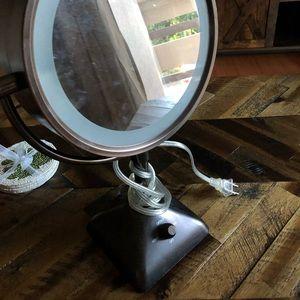 Bed Bath & Beyond Bath - CONAIR Variable lighted mirror